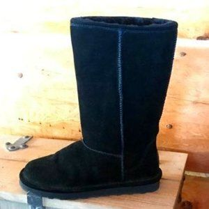 Women's Size 9 Black Suede Bearpaw Winter Boots